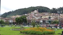 La plaza de Armas, joliment fleurie