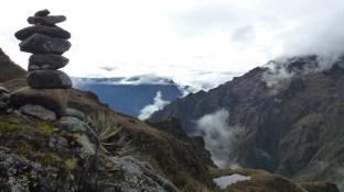 Les roches empilées en offrande à Pachamama
