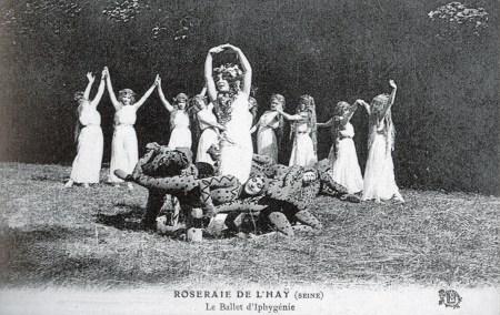 AT 703 ROSERAIE DE L'HAY (SEINE) - Le Ballet d'Iphygenie