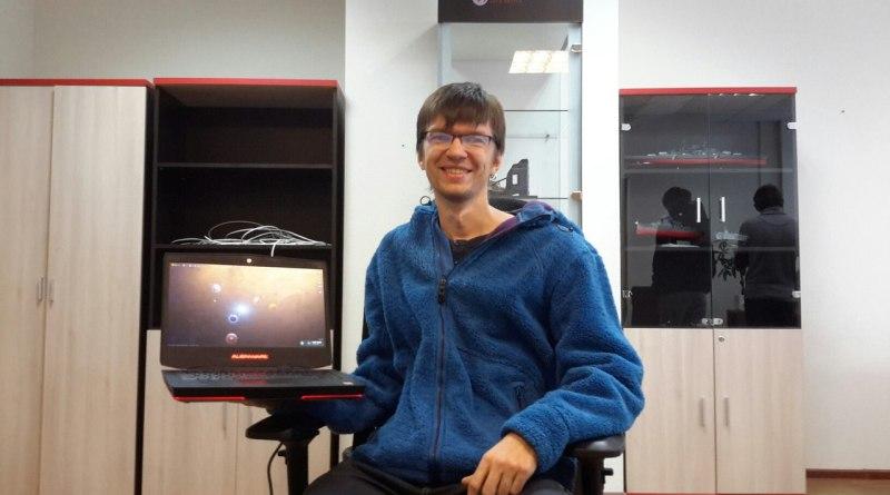 Лёша Халецкий в офисе Wargaming.net играет в Master of Orion
