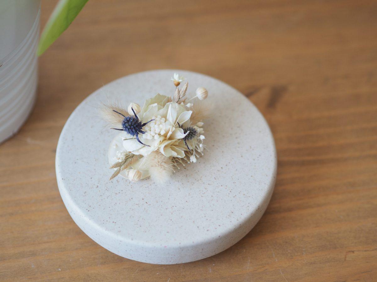mini peigne blanc bleu