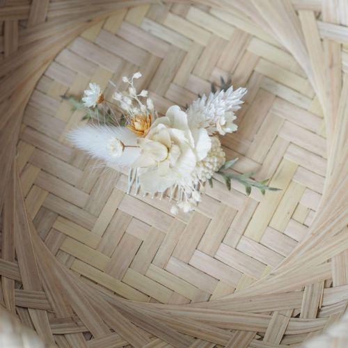Petit peigne en fleurs séchées