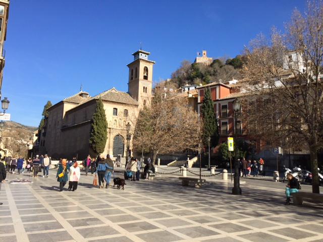 alhambra, chateau dans grenade jolie ville espagnole