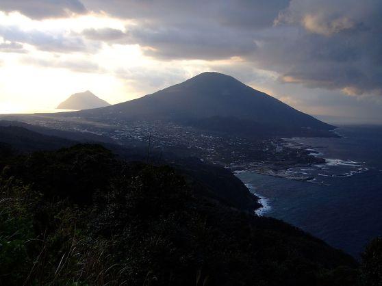 Vue sur le mont Hachijo depuis les passes Noboryu.