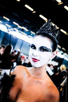 Robin Cosplay- Swan