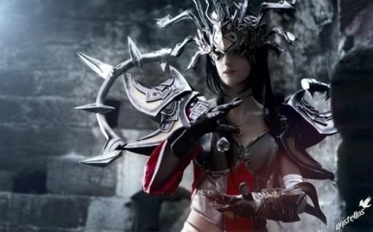 Sakura Flame Cosplay sorcière Diablo, par Anstellos