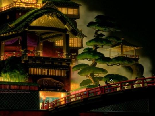 Sur le pont, le voyage de Chihiro.
