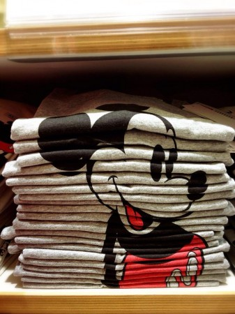 Uniqlo mickey