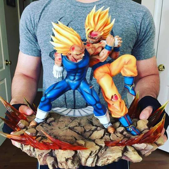 San Goku vs Vegeta figurine