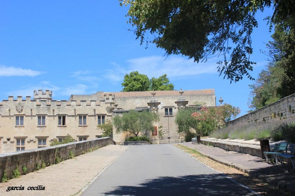 Avant votre séjour en Provence découvrez Orange en photo. Autour du Palais