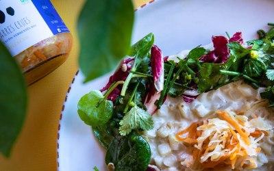 Risotto de céleri, salade d'herbes et Coleslaw