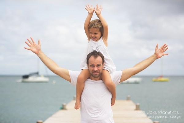 Seance grossesse en famille a la plage Martinique 27