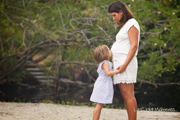 Seance grossesse en famille a la plage Martinique 3