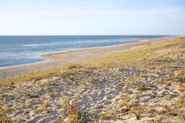 seance-photo-entre-amies-sur-la-plage-ocean
