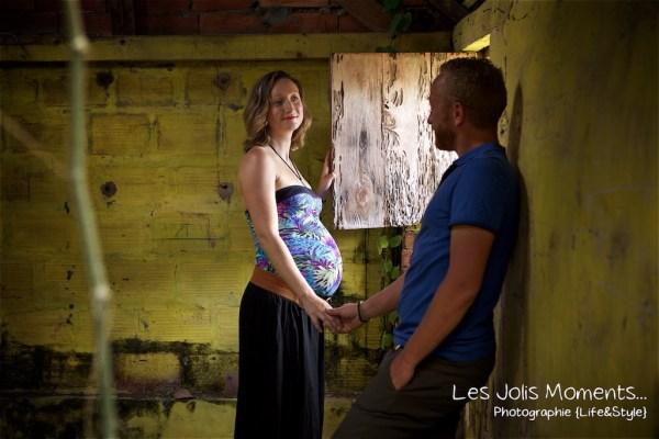 Seance grossesse dans des friches de Martinique 25