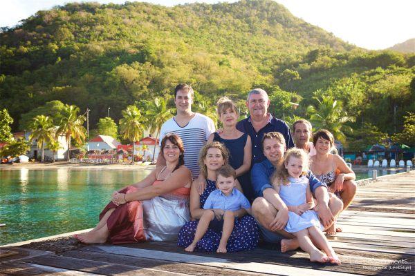 Seance grande famille sur la plage de Grande Anse 1