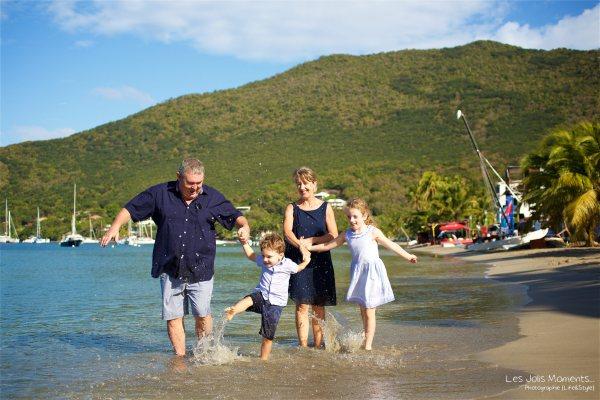 Seance grande famille sur la plage de Grande Anse 16