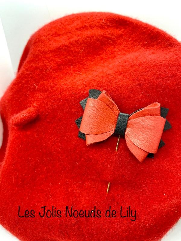 broche noeud en cuir pic à chapeau fait main