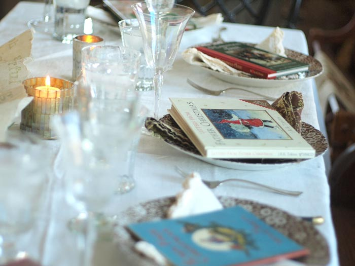 christmas-table-books