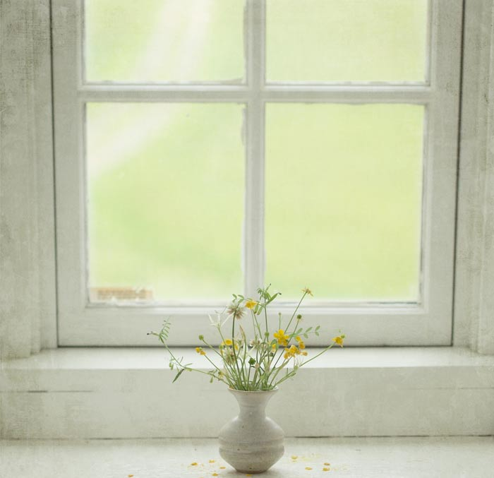 windowsill-bouquet