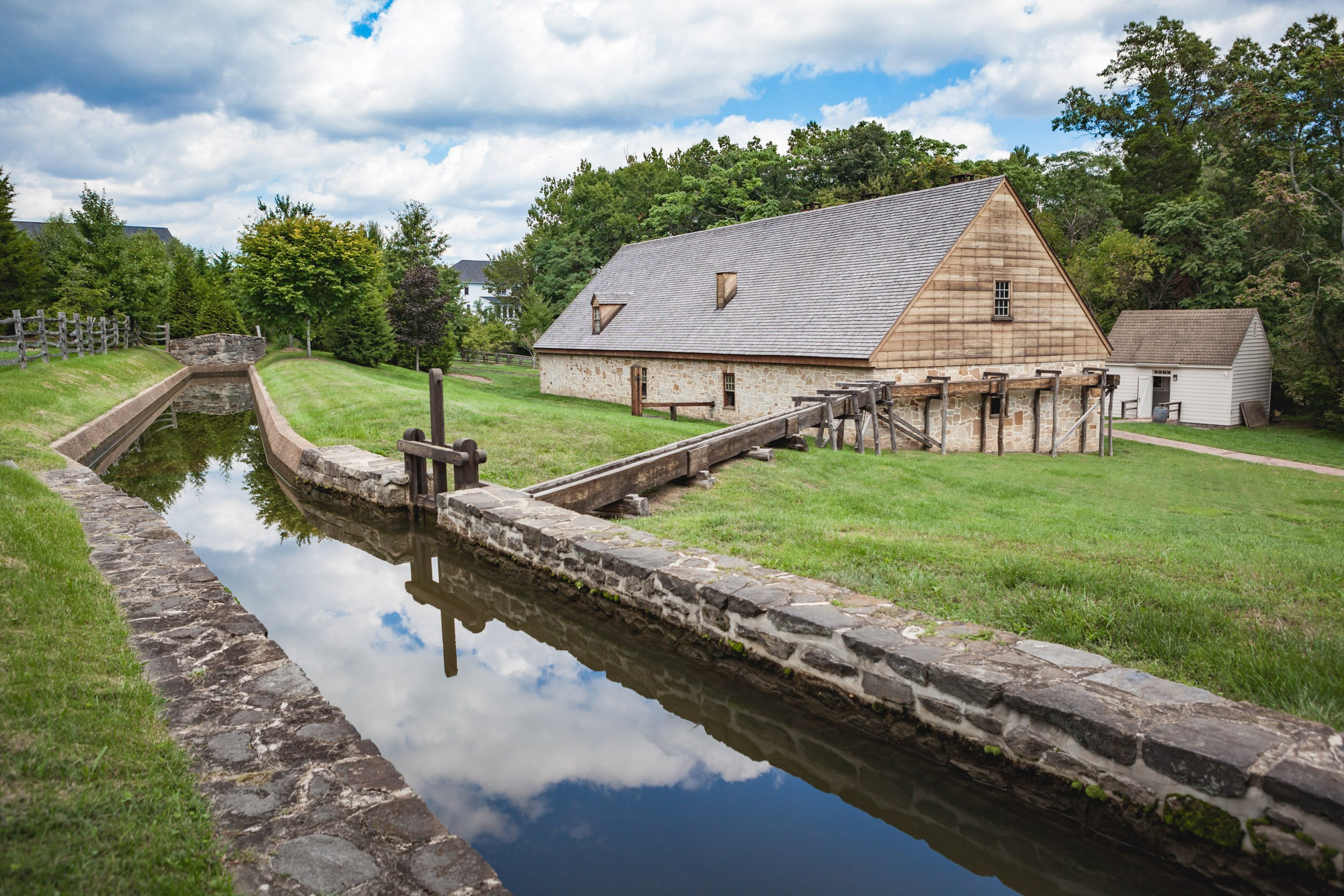 George Washington's Distillery and Gristmill