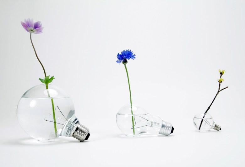 light-bulb-vase-111-2048x1400