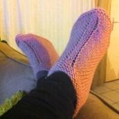 Mes petits chaussons tricotés main par ma maman ♥