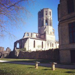 Jolie découverte, l'abbaye de la sauve majeur