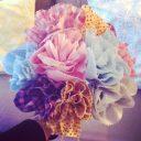 Un bouquet de fleurs en tissus, c'est joli