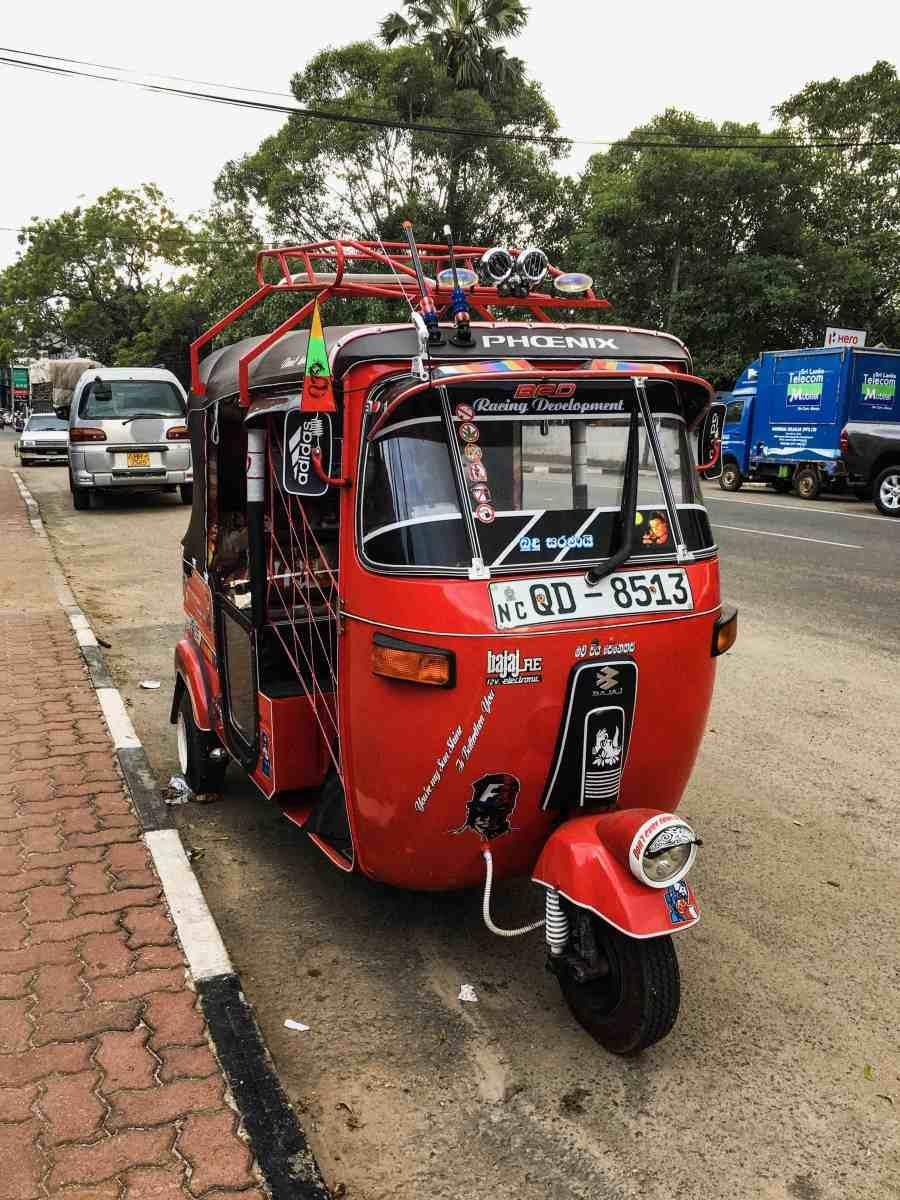 Tuktuk moyen de locomotion au sri lanka