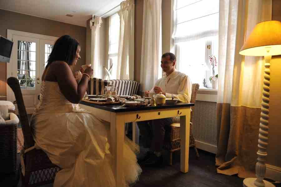 Bruges-casa-romantico-petitdejeuner-amoureux