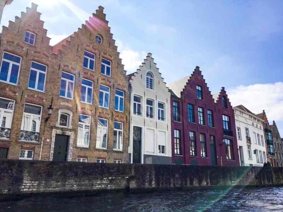 bruges-maisons-briques-canaux