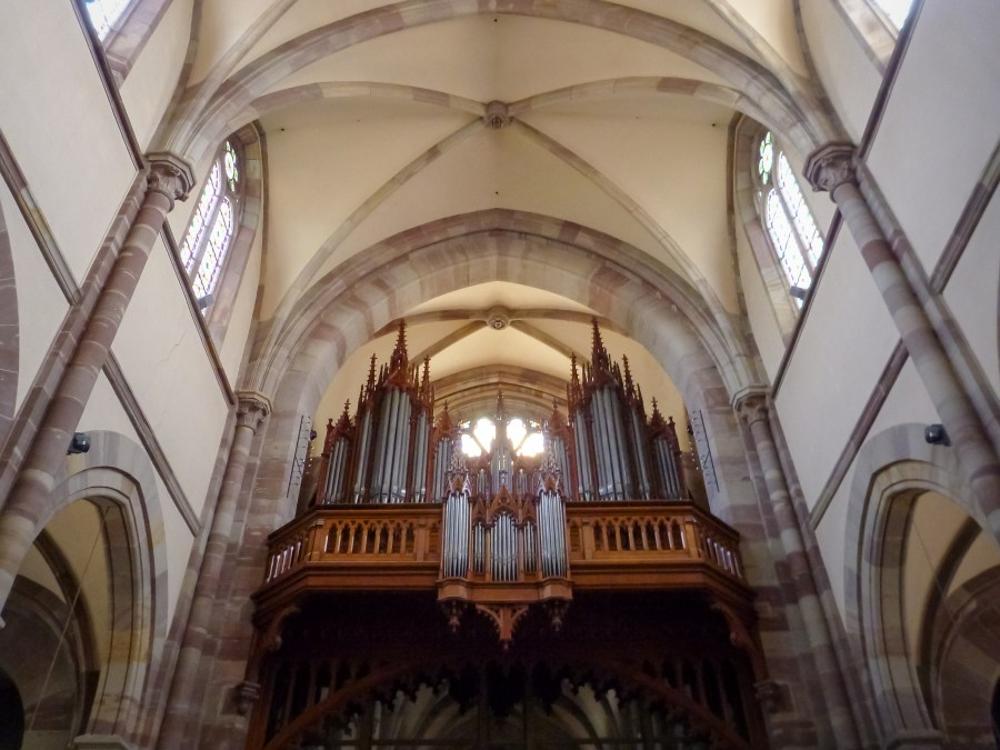 route des vins-alsace-france-obernai-eglise-saint pierre et paul-orgue