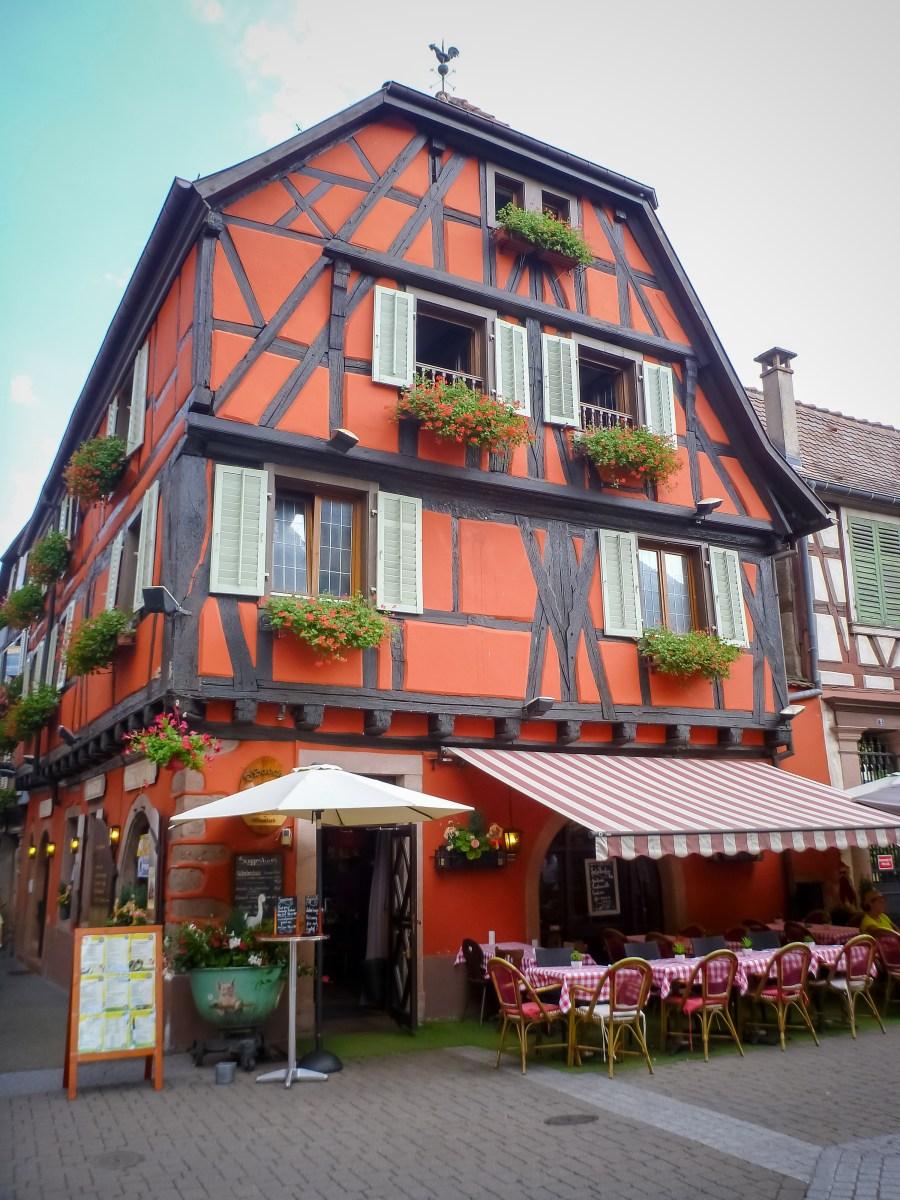 route des vins-alsace-france-ribeauville-centre-commerce