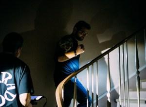 escaliers-lampe-torche-banque-france-lens