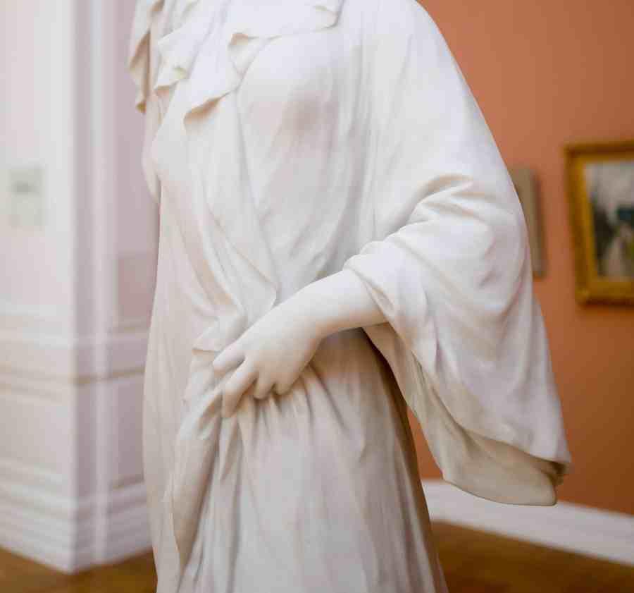 valenciennes-hainaut-visites mystères-autour du louvre lens-musee-beaux arts-crauk-matin-sculpture-claire eiffel