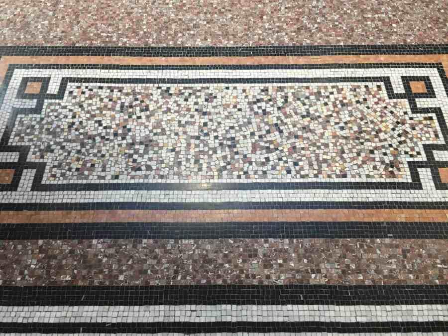 valenciennes-hainaut-visites mystères-autour du louvre lens-musee-beaux arts-architecture-mosaiques