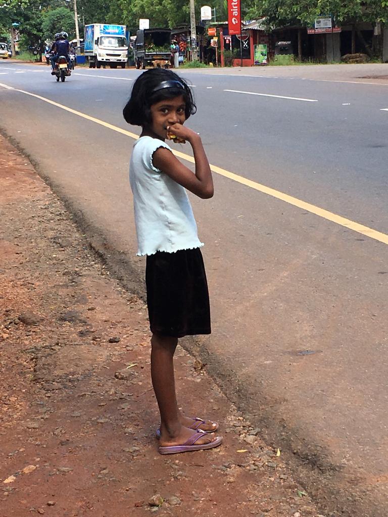 Sourire d'une fillette au Sri Lanka