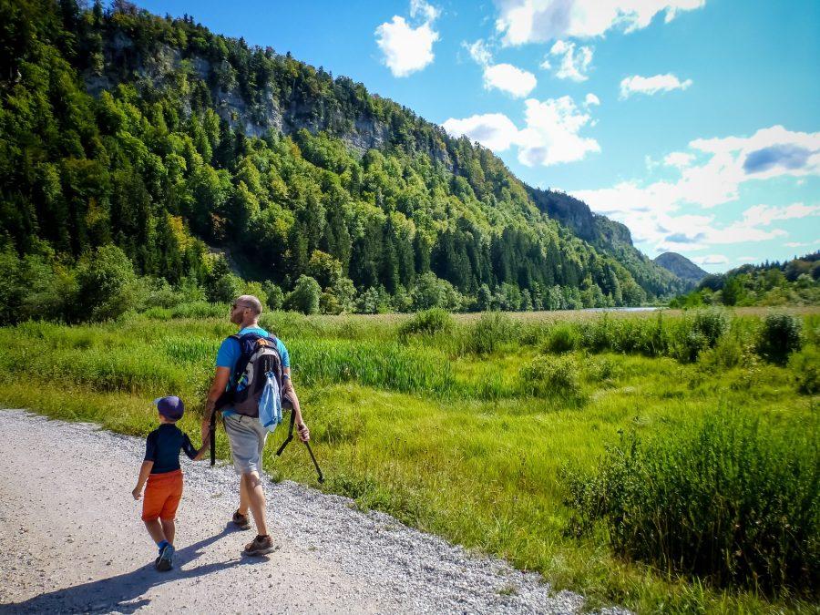 Vacances à la montagne dans le Jura l'été