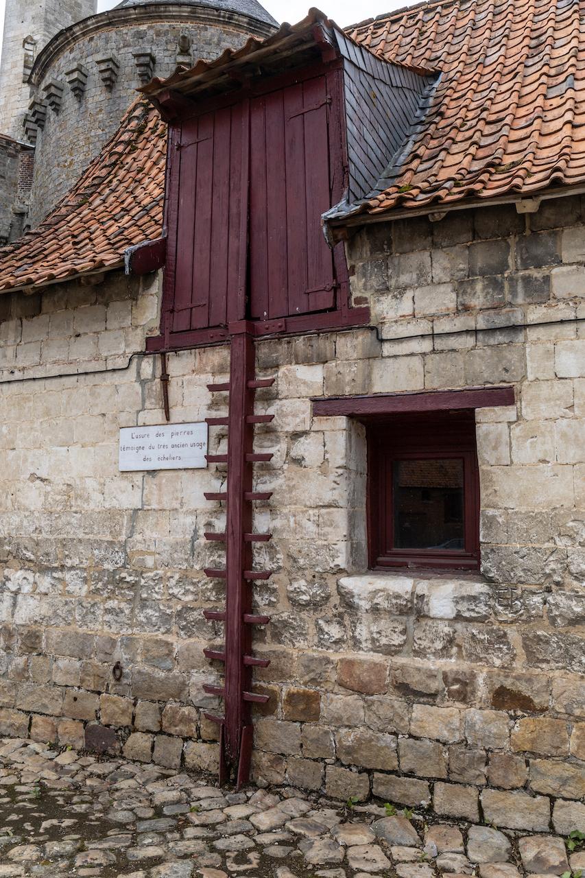 Echelier pour les granges au château d'Olhain