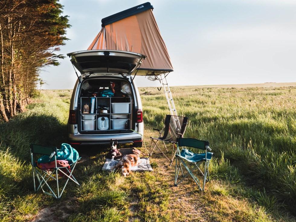 Voiture aménagée pour le camping