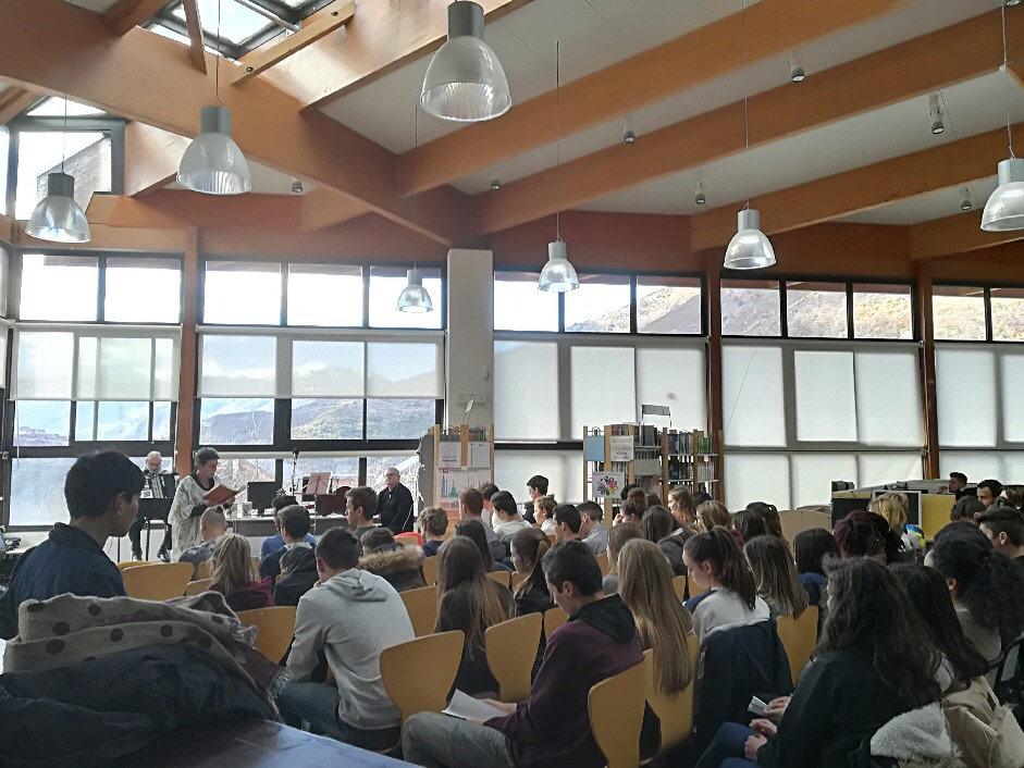 lecture scénique des montagnes, des lieux, des vies au lycée de la montagne Valdeblore