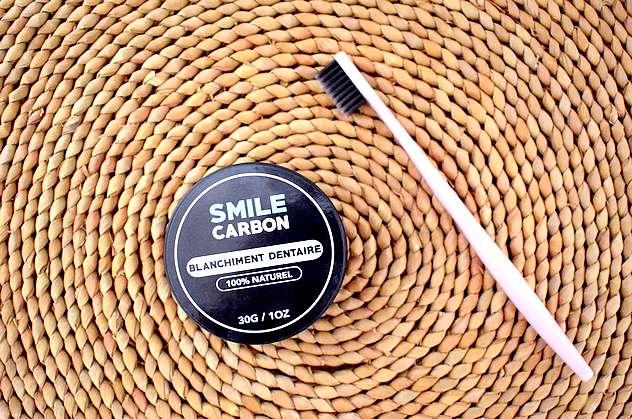 box beaute belle au naturel smile carbon blanchiment dentaire carbon coco - Box beauté bio Belle au Naturel Mars 2018