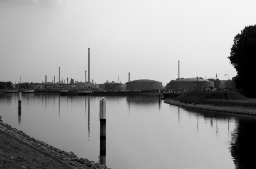 Raffinerie et son port