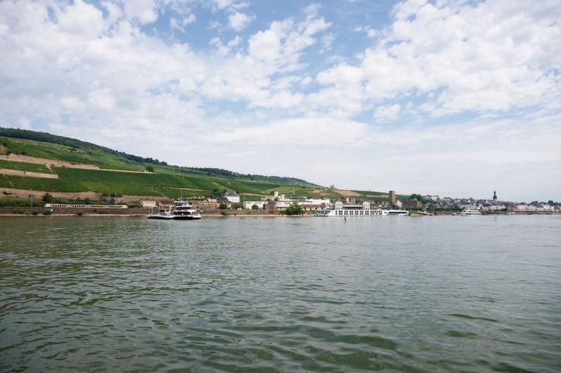 Sur le Rhin entre Rudesheim et Bingen