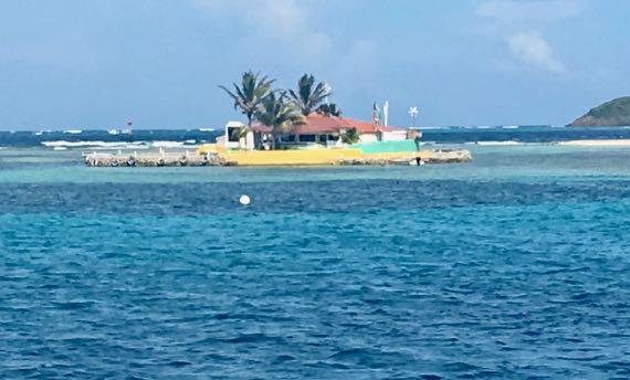 Happy Island - Union - St Vincent les Grenadines