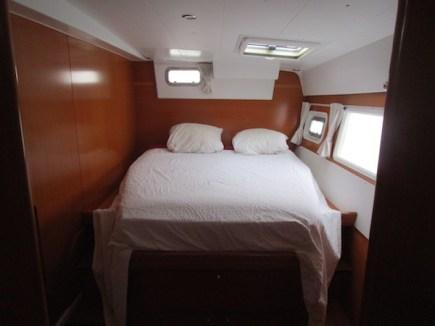 Lagoon-420-cabine-coque-babord