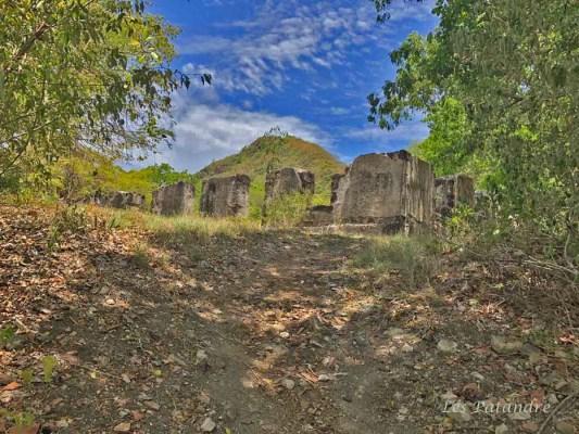Ruines-habitation-creve-coeur