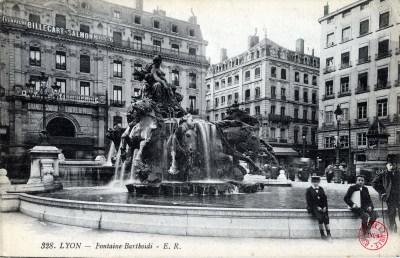 Fontaine Bartholdi avant
