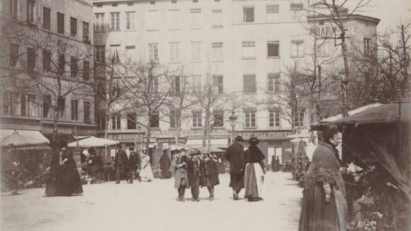 Place de la Croix-Rousse et Ficelle de la Rue Terme